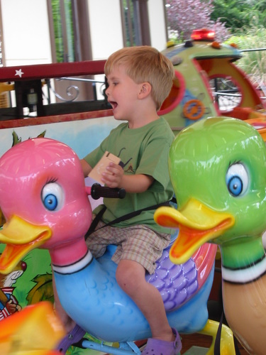 Duck ride at the Jardin d'Acclimatation