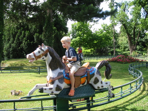 Pony ride at the Jardin d'Acclimatation