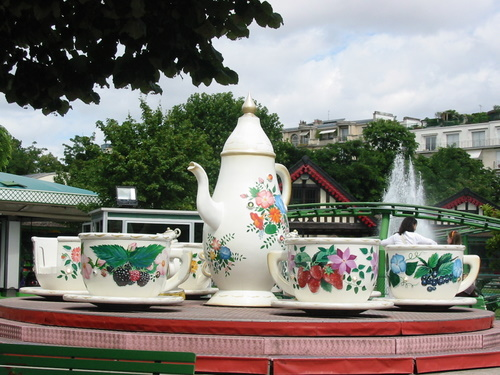 Teacup ride at the Jardin d'Acclimatation