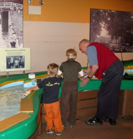 11.04.09_National_Canal_Museum03