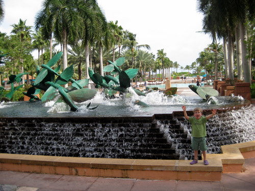 Fountain by the Royal Towers at the Atlantis Resor