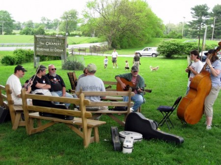Bluegrass jam Woodside Farm Creamery