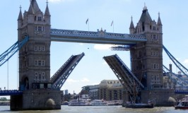 What's more fun: The real Tower Bridge or the one made of LEGOs?