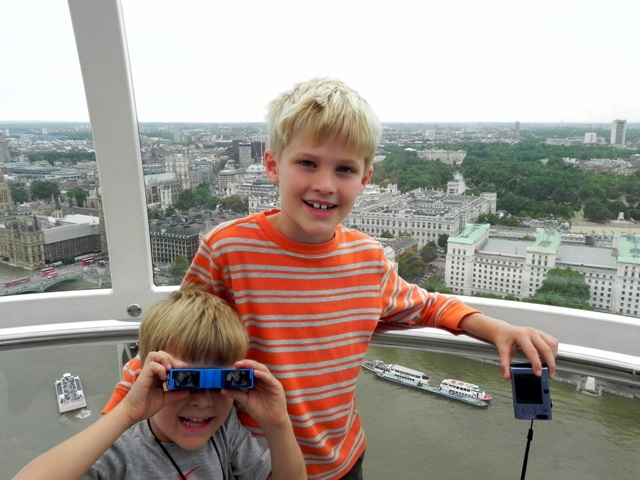 Tommy and Teddy in the London eye