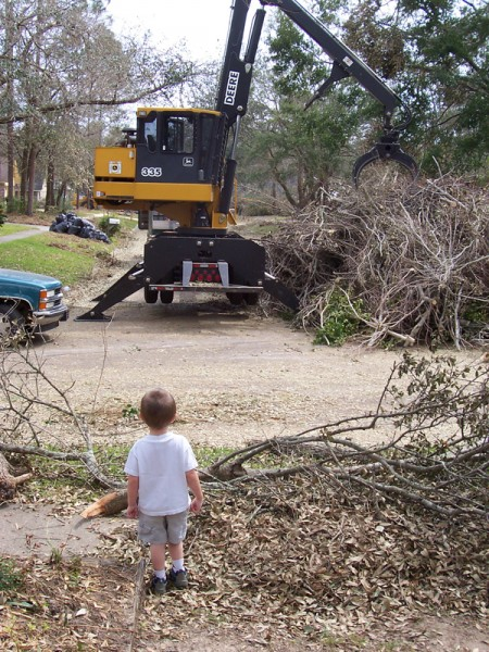 Cleaning up after hurricane Ivan