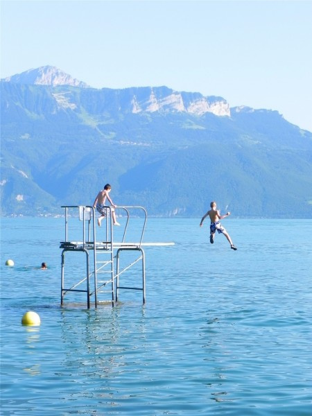 Best of Switzerland: Jumping into Lake Leman