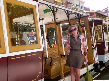 Travel without kids: Riding a San Francisco cable car