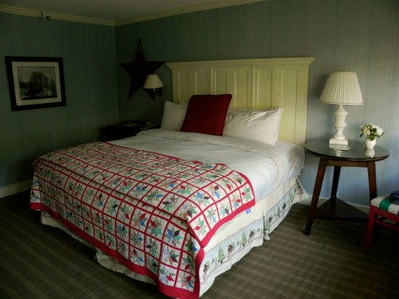 Garden Suite bedroom at Topnotch Resort and Spa