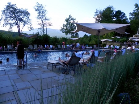 Topnotch Resort has an outdoor pool for families