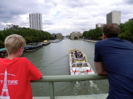 Watching the pleasure boats in the Bassin de la Villette
