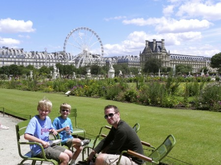Paris with kids picnic Tuileries