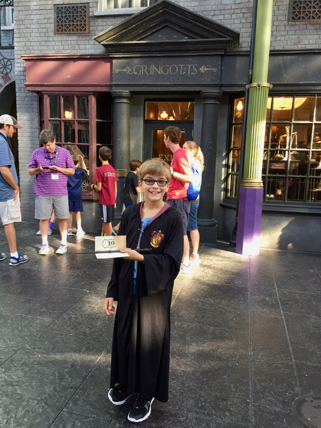 Wizarding World Harry Potter Gringotts Money Exchange