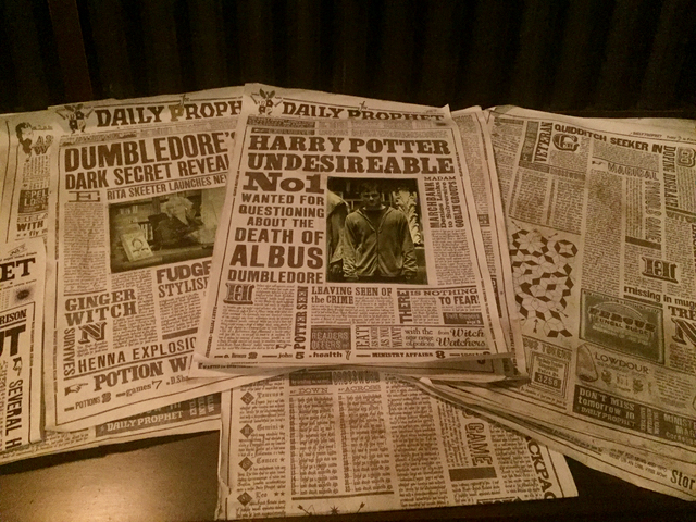 Wizarding World Harry Potter Newspapers Gringotts